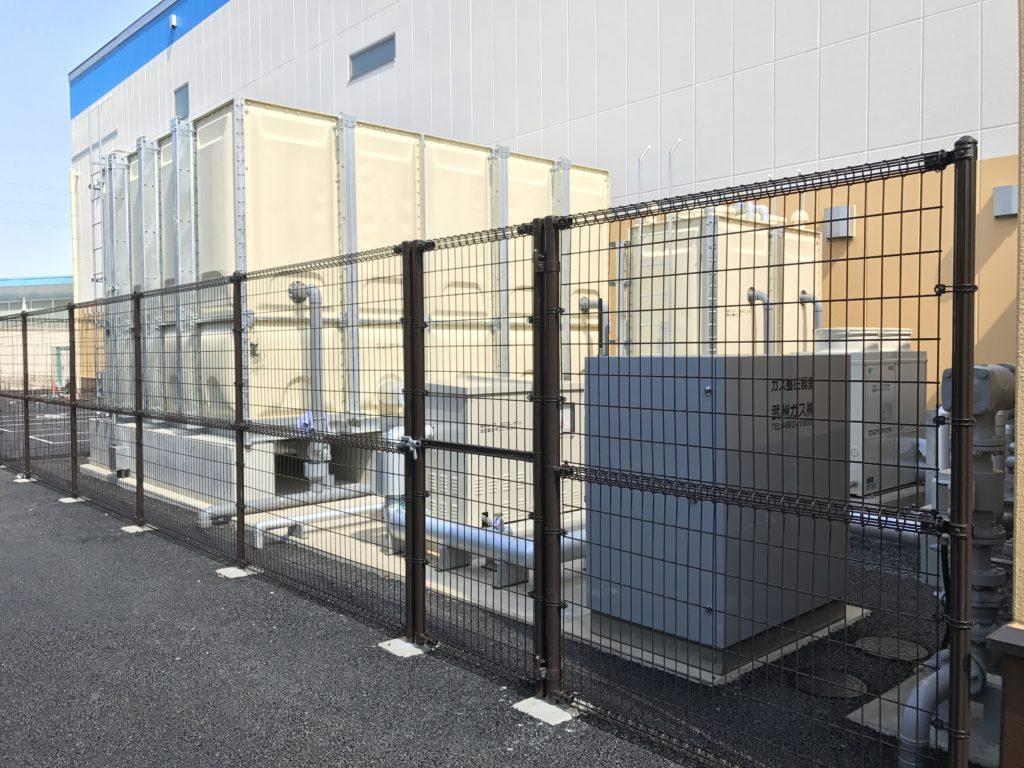 1階機械置場:井水受水槽・加圧ポンプ・ガスガバナー
